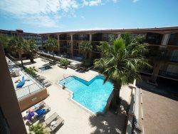 Brass Rail Villas - Unit 207 - Close to the Beach  - Swimming Pools Spa - FREE Wi-Fi