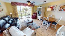 Beach Club Condos - Unit 113 - Swimming Pools - Restaurant - Small Dog Friendly - FREE Wi-Fi