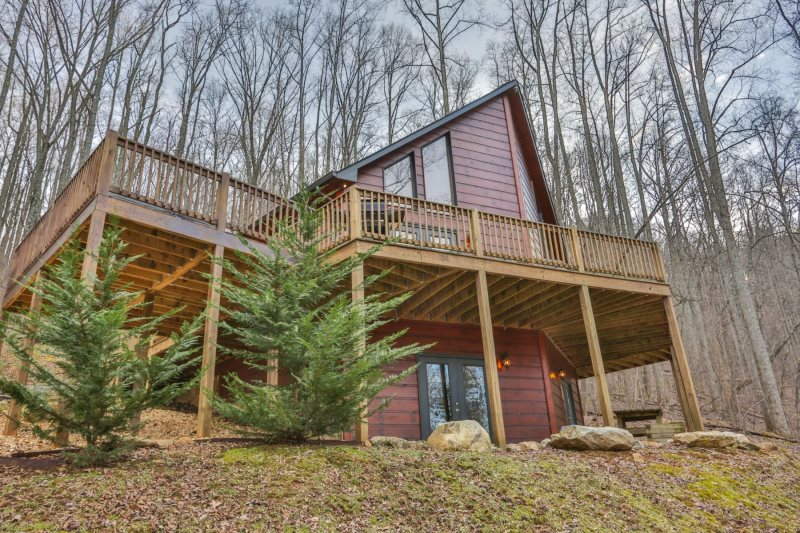 cabin couple stressbuster ga a s reunions getaway rentals to north cabins ellijay from family georgia in