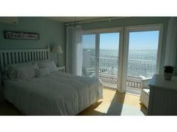 Waterfront/Beachfront Townhouse - 2 Miles to Provincetown
