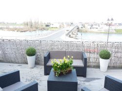 Le Pont Royal : Spectacular Views of Loire & Bridge from huge, private terrace