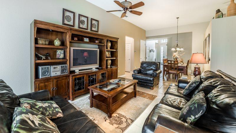 2611PS. Stunning 5 Bedroom 5 Bath Pool Home in Windsor Hills Resort