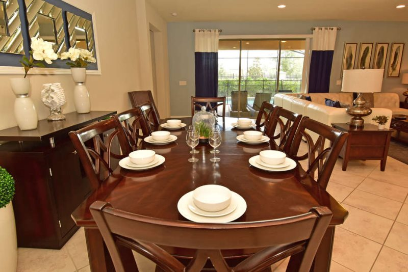 2107tc Stunning 8 Bed 6 Bath Pool Home In Windsor At