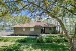 Seneca Vista, Lake Front Home in Quiet Neighborhood