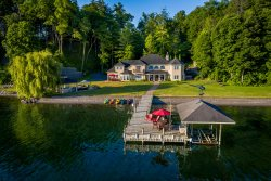 Dragonfly Landing: luxury private vacation home on Seneca Lake
