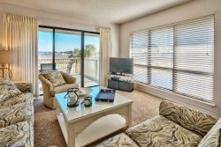 2 Bedroom Bayside Vacation Condo Inside Sandestin Golf and Beach Resort~Golf Cart Included