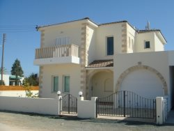 New beautiful 4 bed villa with private pool