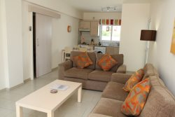 Stunning 2 bed apartment in Protaras with FREE car