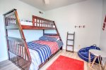Third bedroom with bunk beds - twin and full size