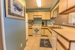 Fully equipped kitchen, all you need to bring is your food