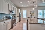 Stainless Steele Kitchen Appliances With Granite Counter Tops