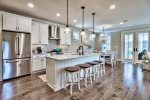 Sandpiper Cottage - Dining table with seating for 6 people