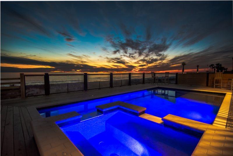 Marvelous Beachfront Tiki Bar Large Pool Foosball Pool Table Interior Design Ideas Oxytryabchikinfo