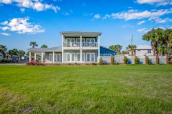 Gone Coastal! Big Size Pool - Front yard - Private beach access - Grill - Games