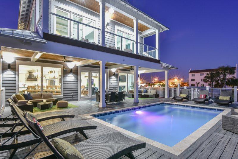 Enjoyable Beachfront Pool Bar Area Foosball Pool Table Grill Download Free Architecture Designs Rallybritishbridgeorg