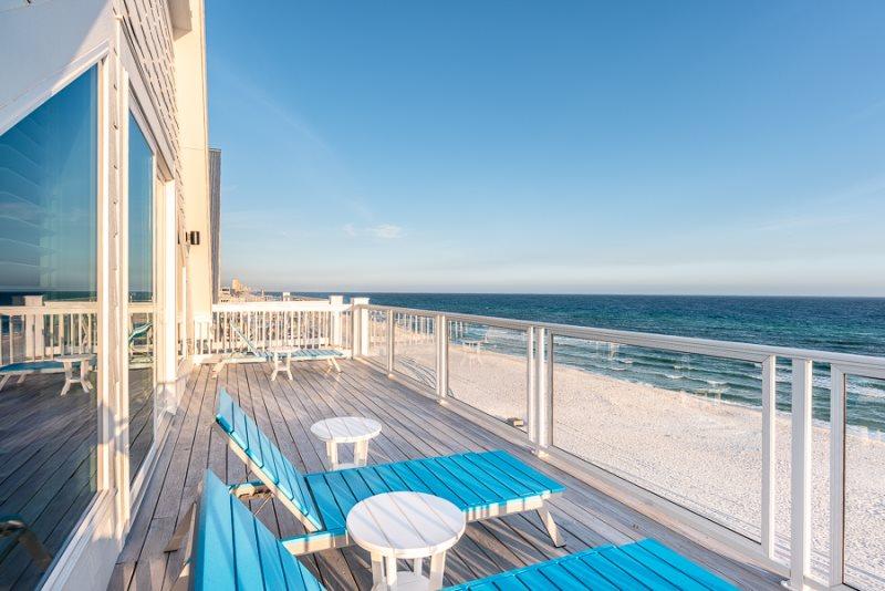Magnificent Beachfront Pool 2 Kitchens Beach Walkover Foosball Download Free Architecture Designs Rallybritishbridgeorg