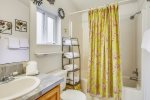 Master Bath at Logan Cottage
