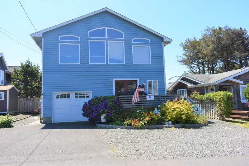 Walker cottage | cannon beach vacation home.