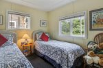 2nd bedroom with twin beds at Cozy Cottage