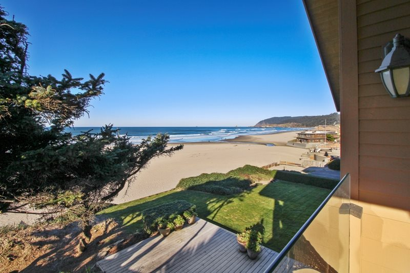 Fine Ocean Front Home L Beachcomber Vacation Homes Oregon Coast Home Interior And Landscaping Ologienasavecom