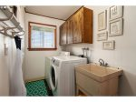 laundry room at Shutterbug