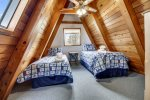upstairs bedroom with twin beds at Ecola Haven