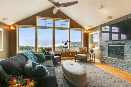 Luxury. Oregon Coast Luxury Vacation Rental Homes ... & Oregon Coast Vacation Rentals | Beachcomber Vacation Homes Cannon Beach