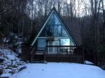 Your Gatlinburg Cabin in the Snow-- Smoky Bear Hideaway