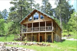 Lula Belle Lodge - A great summertime retreat!