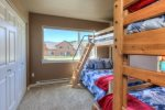 Guestroom with 2 bunk beds full/twin