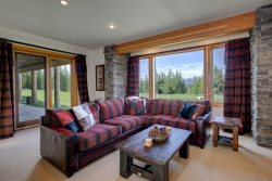 4th night FREE!! Luxurious Home off the Beaten Path