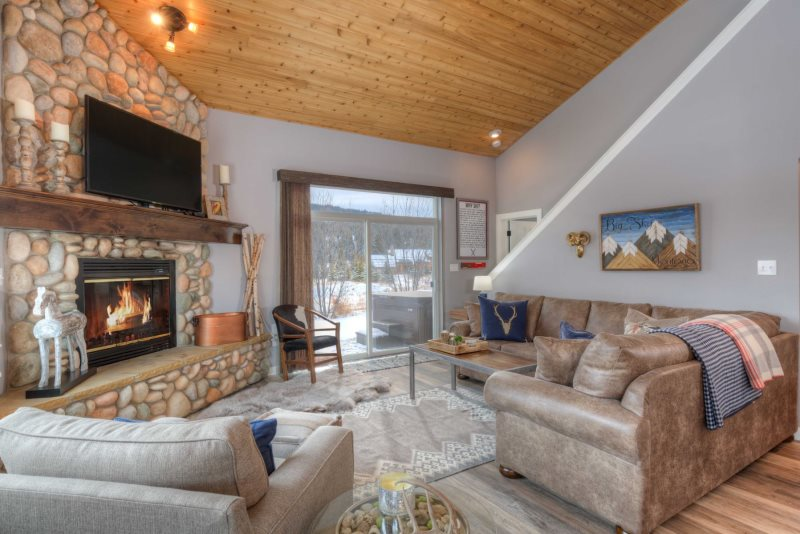 The Sapphire Lodge | Yellowstone Vacation Rental | Big Sky ... on guam base, one world trade center base, extraterrestrial base, virginia base, statue of liberty base,