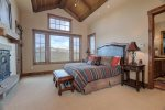 Master Suite, King Bed, Beautiful en-suite, walk in closet, and balcony
