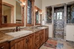 Master en suite, dual vanity, walk in stone shower