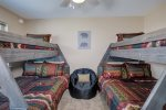 Upstairs bunk room, 2 full beds, 2 twin beds, TV with DirecTV, en suite