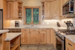 Beautiful chef`s kitchen, fully equipped