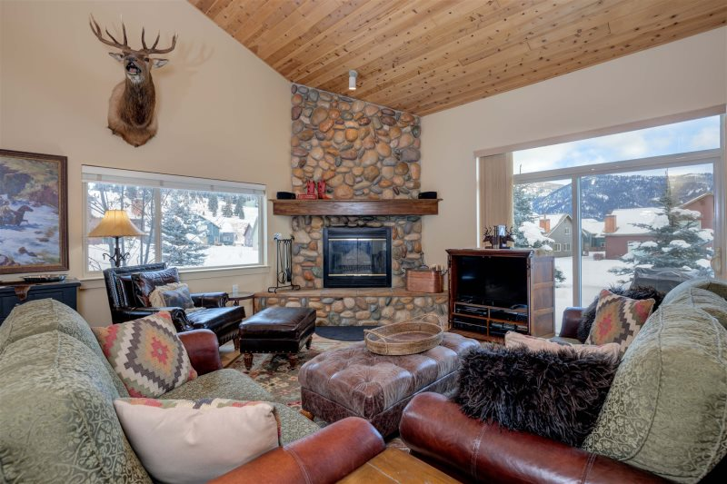 Big Sky Vacation Rental Living Room