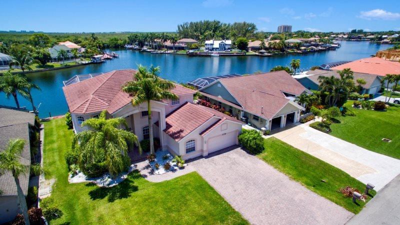 Terrific Villa Rosegarden View Cape Coral Florida Vacation Rental Home Interior And Landscaping Spoatsignezvosmurscom