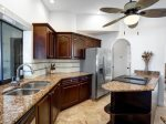 Vacanza Rentals - Villa Waterview kitchen