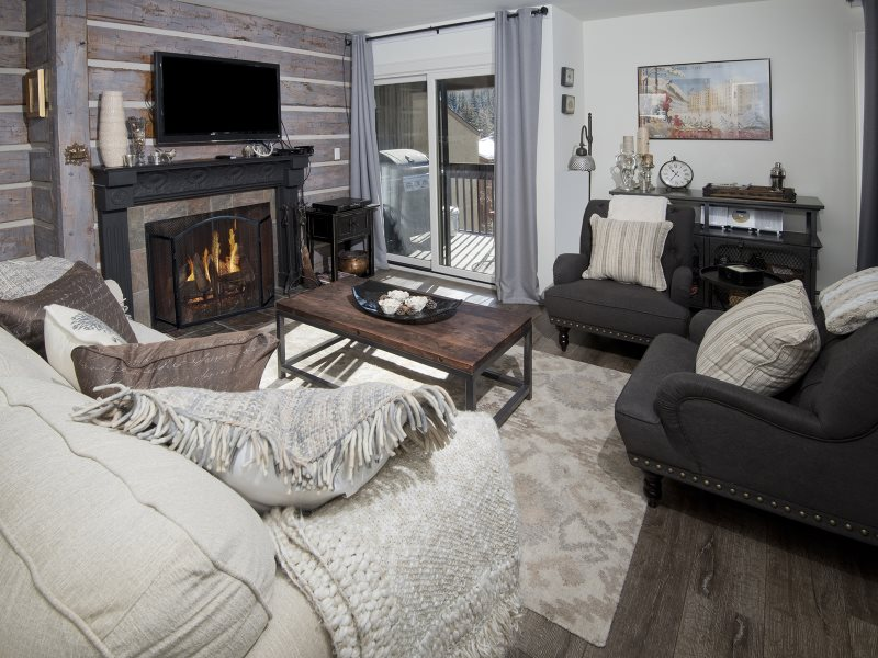 An Affordable Condo Rental At Vail 21 In Lionshead Village With Mountain  Views, Hot Tub And Wood Fireplace.