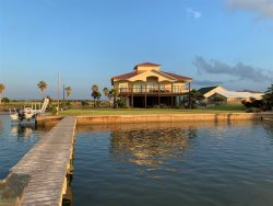 AVAILABLE- Great Intracoastal View & Fishing!