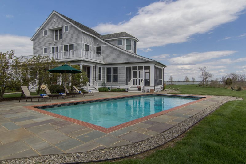 Premier Waterfront Location With Fantastic Outdoor Areas
