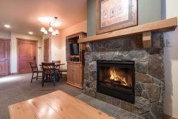 Red Hawk Lodge 2200 - Cozy studio, walk to slopes, on site pool, hot tub, fitness room and pool table!