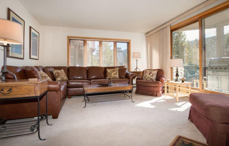 Ski Run Condominiums 401   New Furniture, Walk To Slopes, Ski Area Views,  Pool