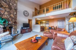 Snowdance Manor 409 - Walk to slopes, indoor pool and hot tub, Mountain House!