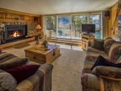 Pines Condominiums 2167 - Sleeps 9, on free shuttle route, newly remodeled indoor pool and hot tub!