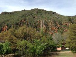 Lovely cabin nestled in the pines of Oak Creek Canyon SHANGRI LA - S058
