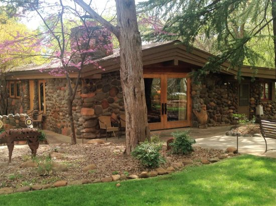 dream b log maker breakfast home in cabins az and a rear luxury for sedona sale bbsale bed our at traditional
