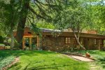 Cabin Style Feel Guest House With Creek Access Surrounded with Greenery - S101