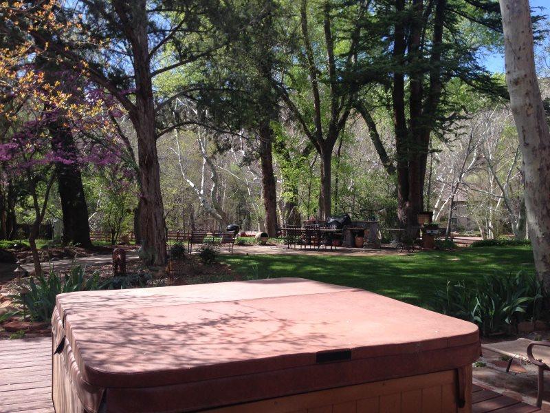 Backyard View vacation rental homes and condos in & near sedona arizona, usa